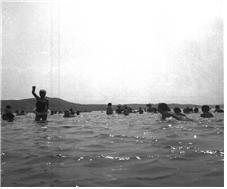 1963.8.5 뚝섬 수영장 여학생풀